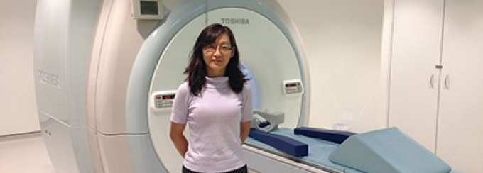 Leslie Ying in her lab.
