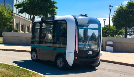 Olli shuttle turns a corner at UB North Campus.