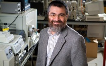 Chemistry professor honored by President Obama for excellence in mentoring