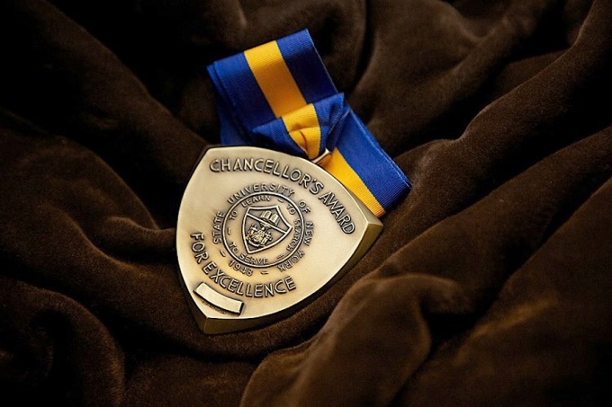SUNY Chancellor's Award for Excellence medal