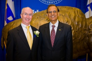 David Hangauer and President Tripathi at UB's 2012 Business Partners Day.