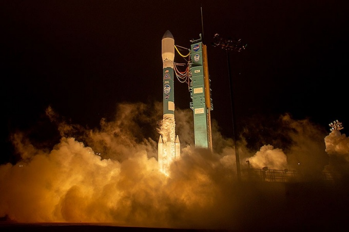 The United Launch Alliance (ULA) Delta II rocket launches with the NASA Ice, Cloud and land Elevation Satellite-2 (ICESat-2) onboard, Saturday, Sept. 15, 2018, from Vandenberg Air Force Base in California.
