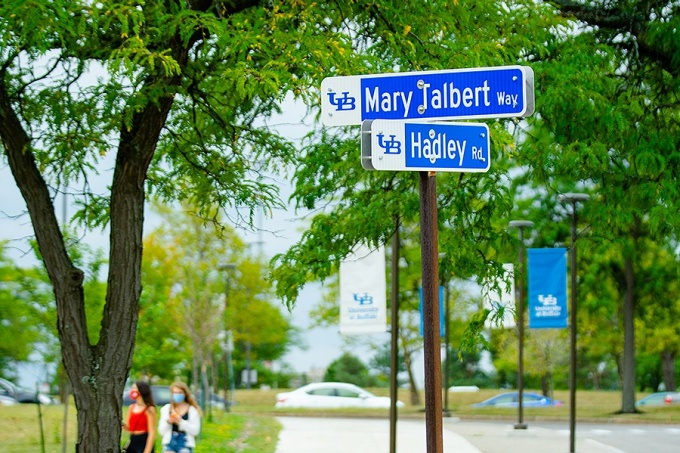 Road sign at the intersection of Hadley and Talbert Way.