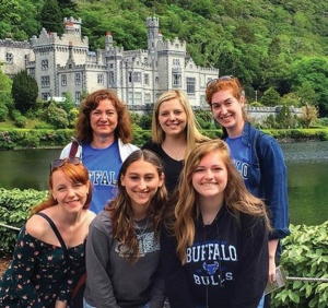 UB Study Abroad students in Ireland.
