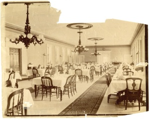 Cataract House's dining room in the late 19th century.
