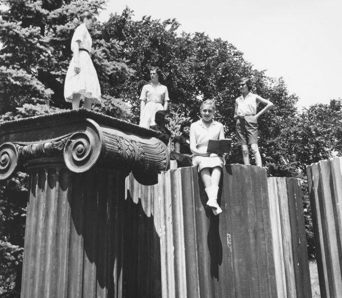 1959 students on Baird Point columns, South Campus
