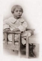 Hofstadter as a toddler in Buffalo.