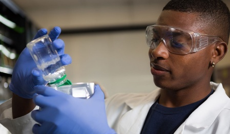 Chimere Alozie working in a lab.