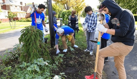 Photo of UB students volunteering at Community Day.