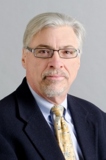 Head shot of Frank Scannapieco, University at Buffalo oral health and dental plaque expert.