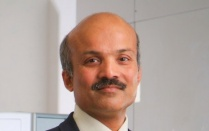 Head shot of Murali Ramanathan, professor of pharmaceutical sciences.