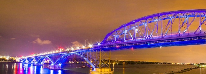Photo of the Peace Bridge turned Blue