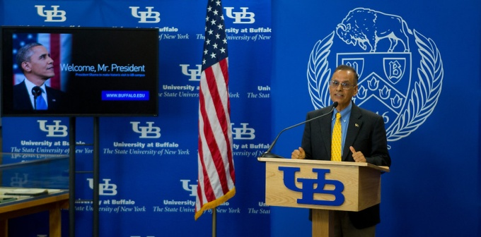 President Tripathi announcing President Obama's visit to the University at Buffalo in 2013.